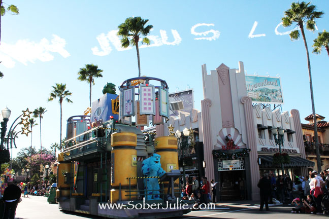 Hollywood Studios Parade 4