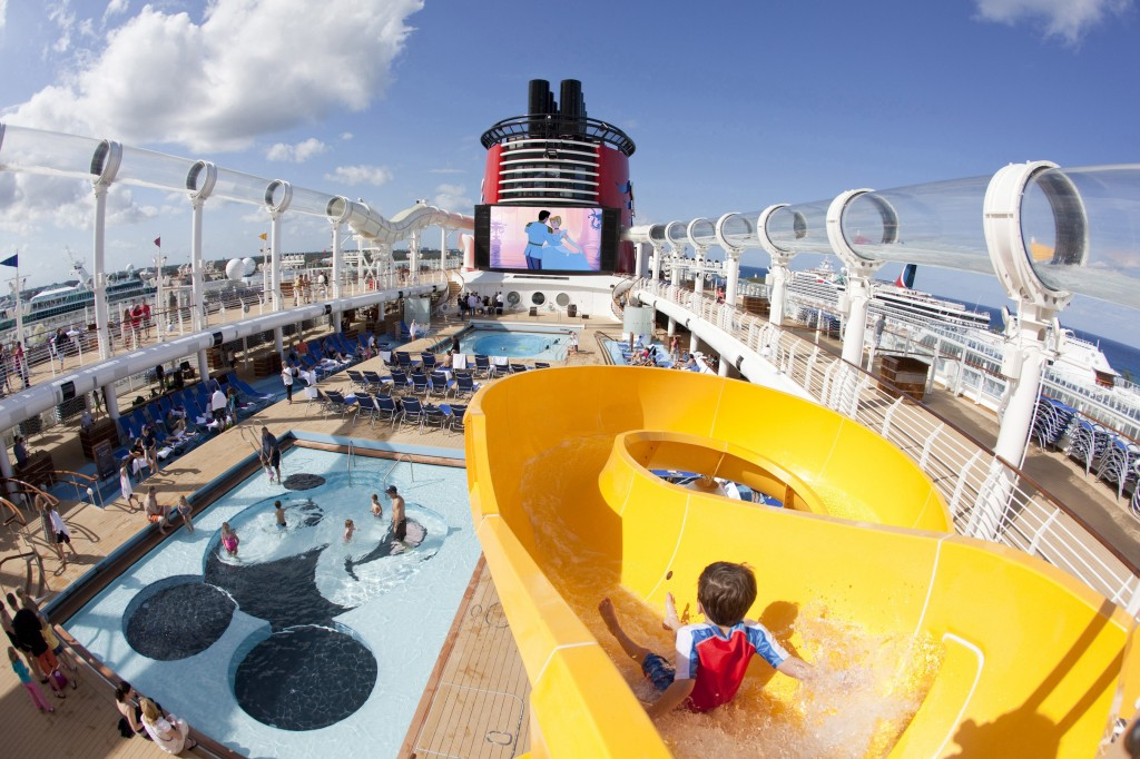MICKEY'S POOL ON THE DISNEY DREAM