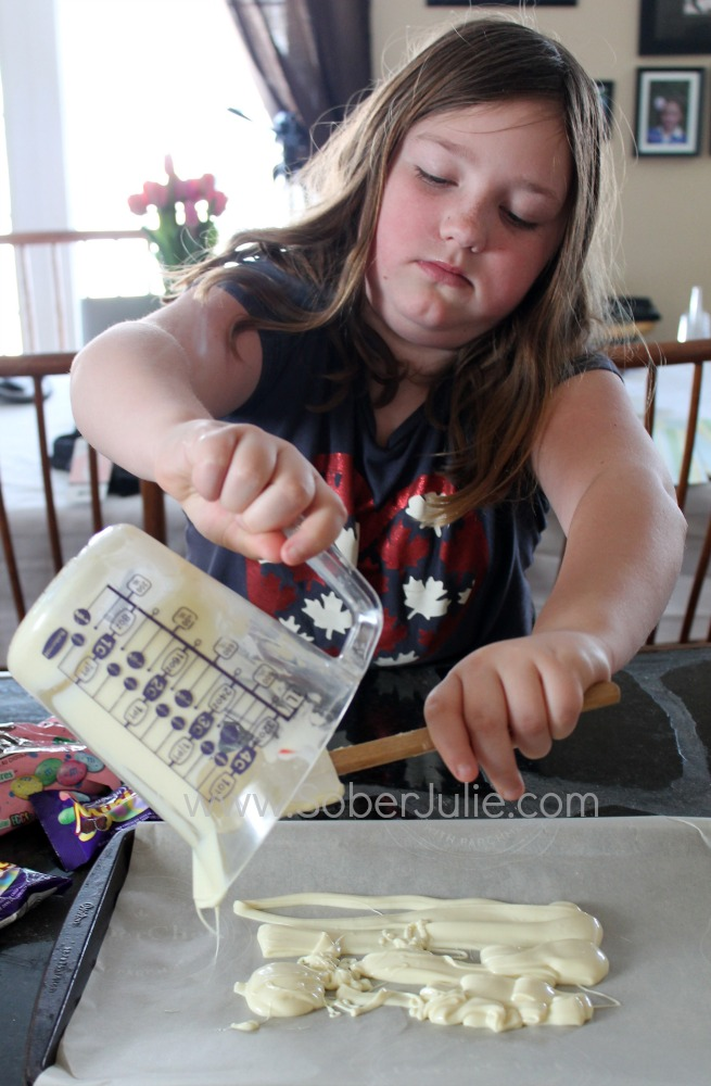 Sydney making Easter Bark
