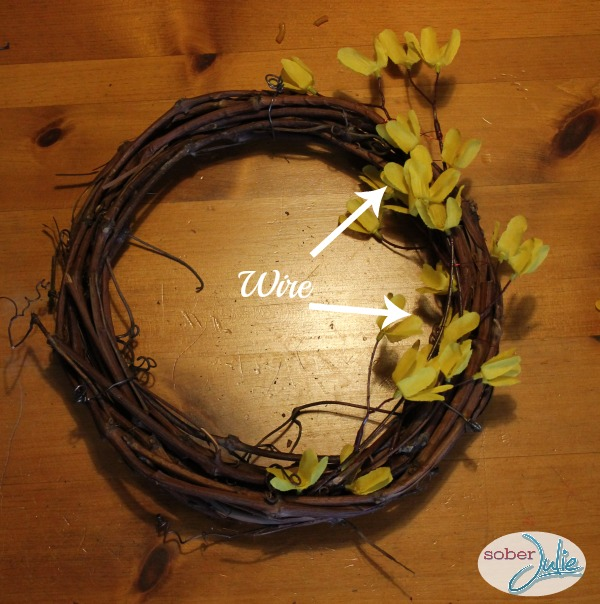 make a simple fall wreath wire