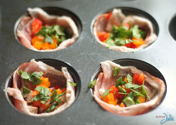 soberjulie-bacon-wrapped-muffin-tin-omelete-in-pan