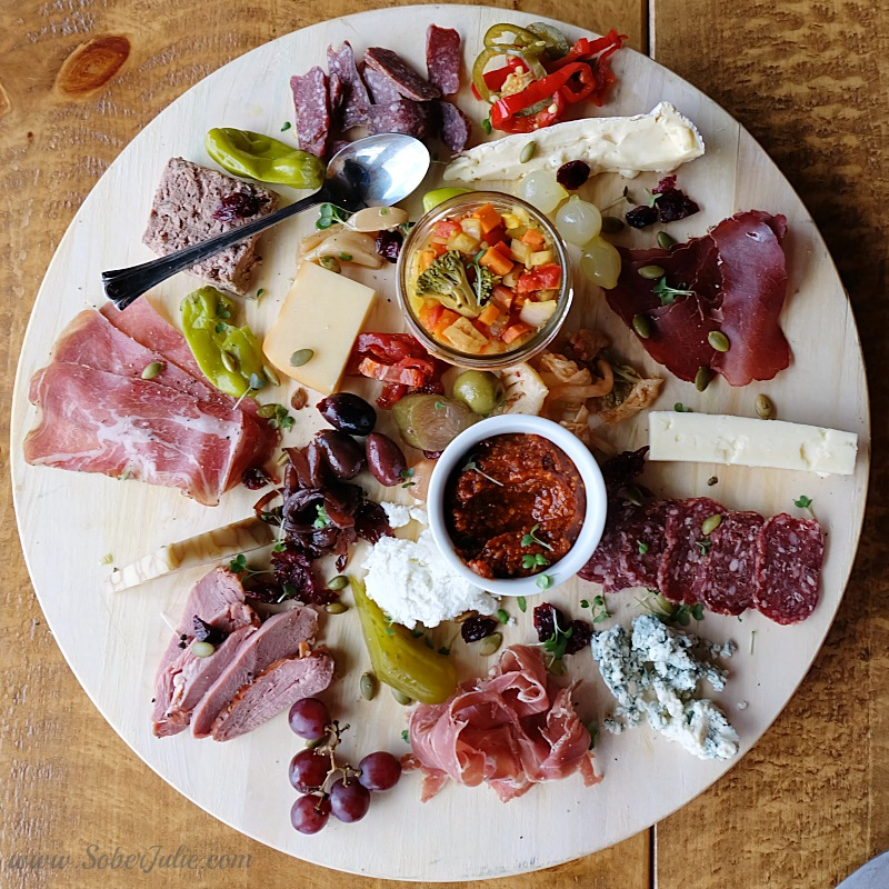 banff-mt-norquay-cliffhouse-charcuterie