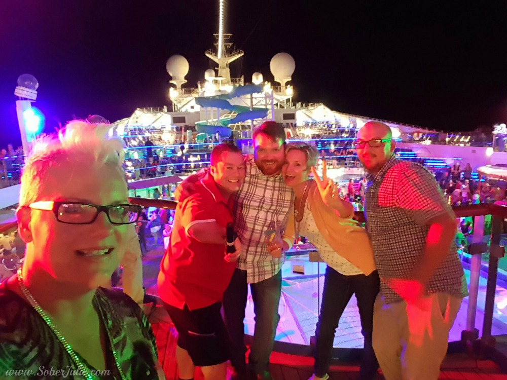 cruise with friends lido party