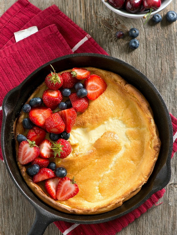 Skillet Buttermilk Pancake with Fresh Berries