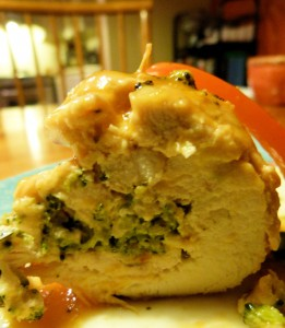 VH Sauce Chicken Stuffed with Broccoli and Cheese 2