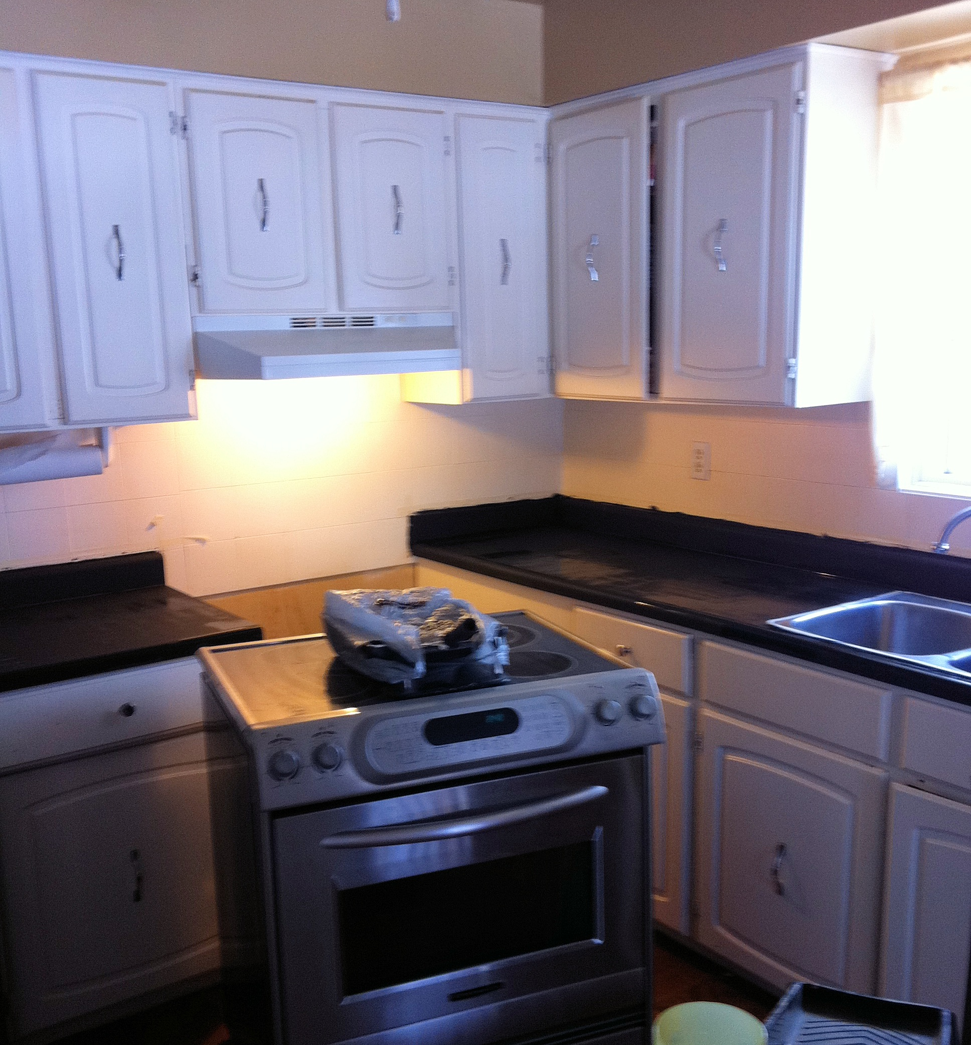 Amazing Countertops After Using Giani Granite White: DIY Countertop Paint~Giani Granite What A GREAT Makeover
