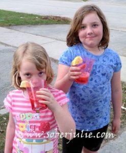 Kids-enjoying-mocktail