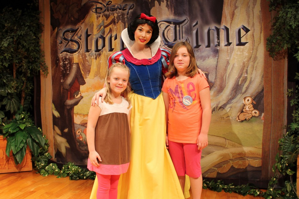 Epcot CAA Story Time Snow White