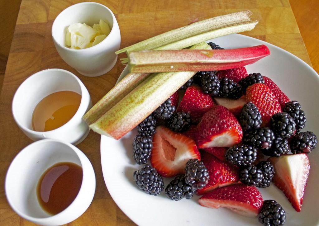 Berry Rhubarb Parfait Ingredients