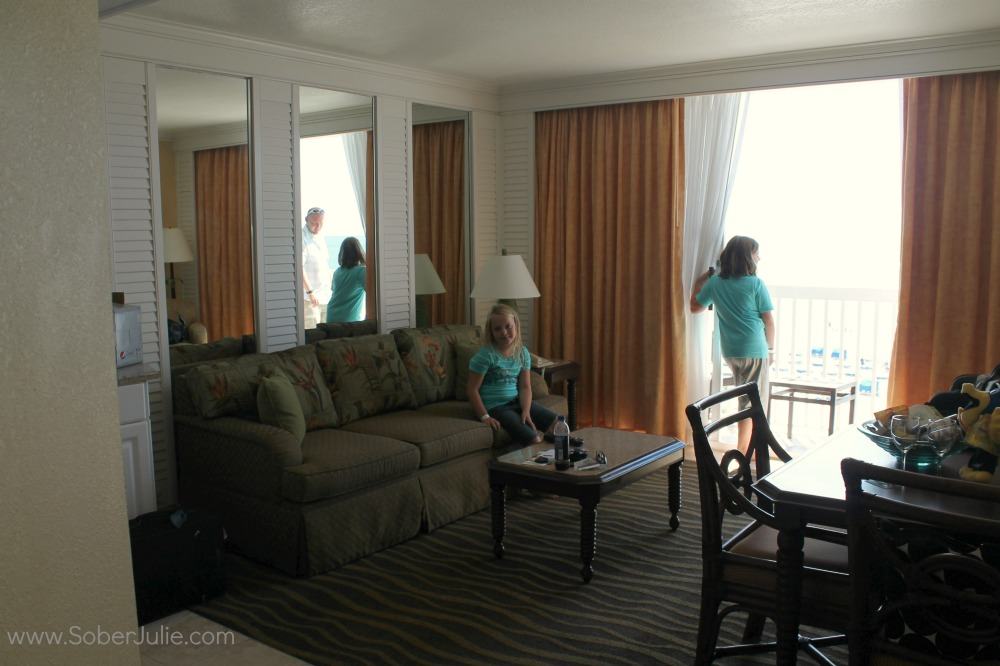 Tradewinds Island Grand Living room