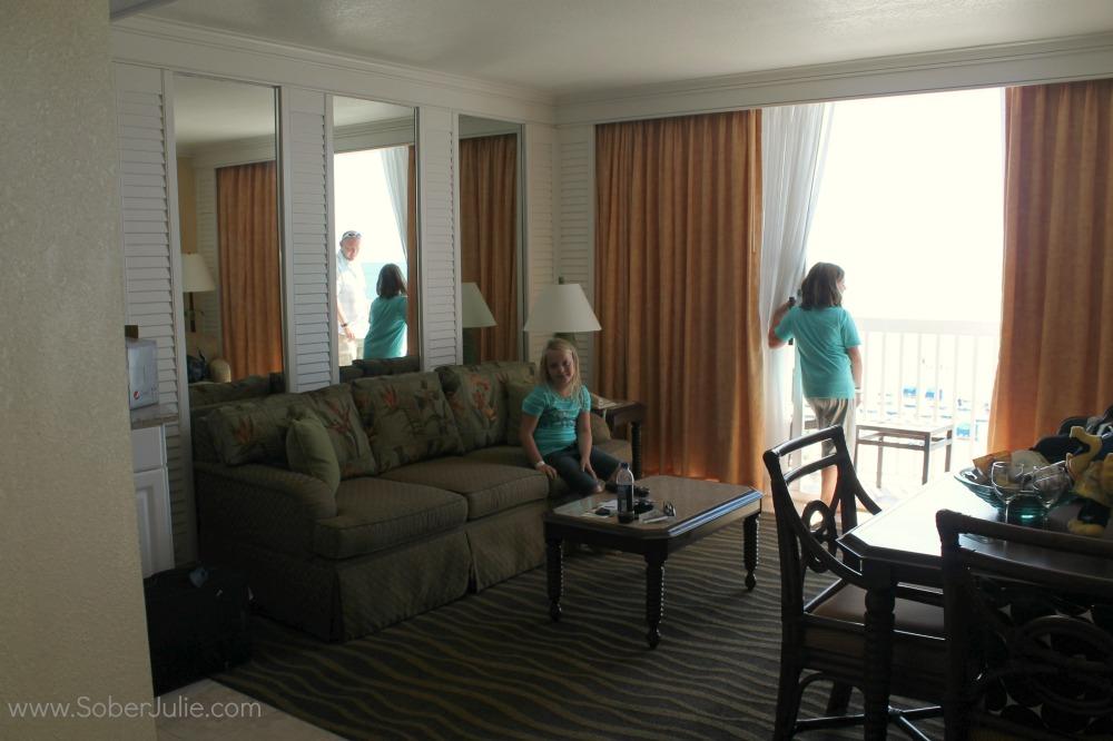 Tradewinds Island Grand Living room