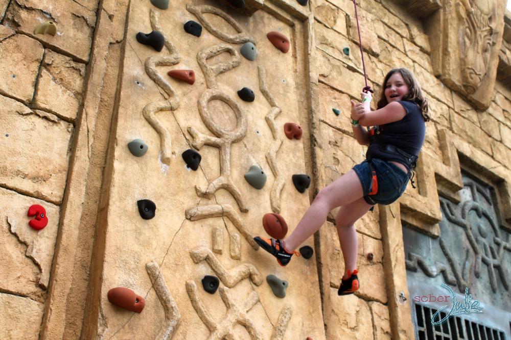 Atlantis Resort Aquventure rock climb