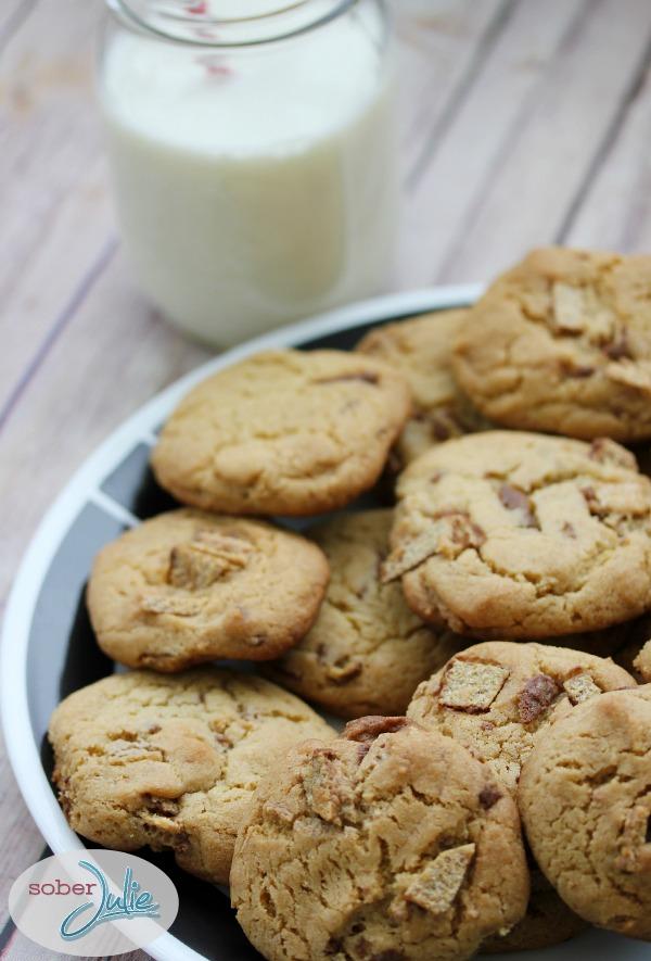 Candy Bar Cookies @SoberJulie