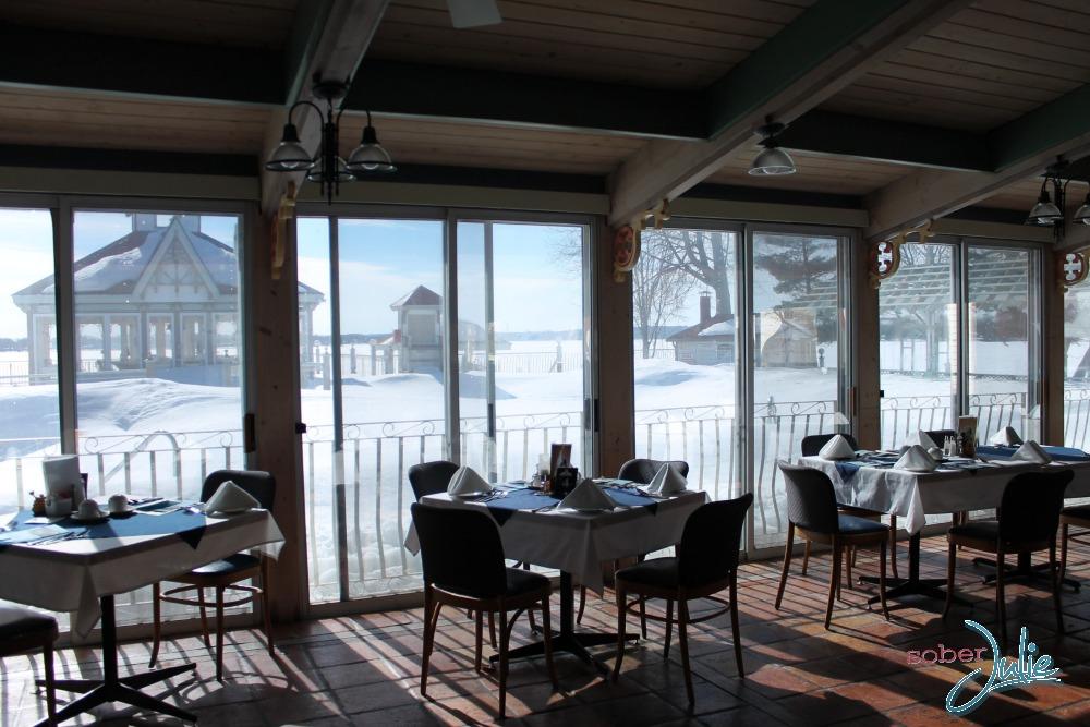 Fern Resort Dining.jpg