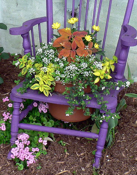 planting-flowers-in-chairs-diy1