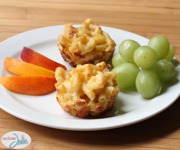 mac 'n cheese cups with fruit