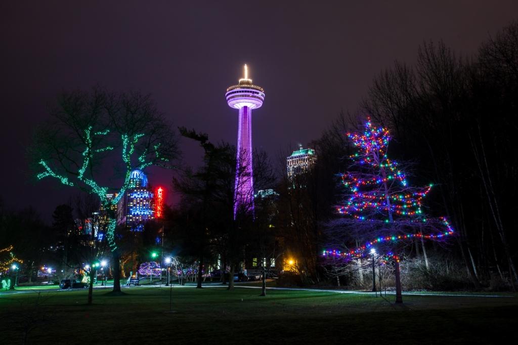 Winter-Festival-of-Lights-Niagara-Falls-Vacation