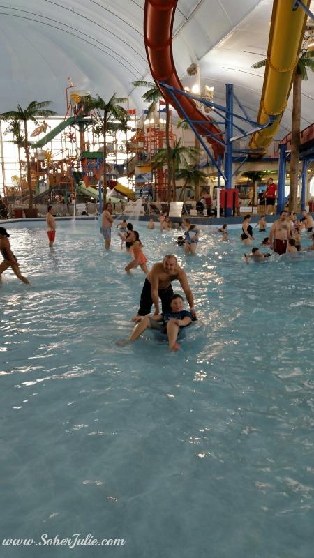 fallsview waterpark pool
