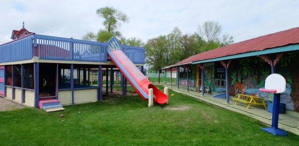 soberjulie-ontario-travel-fern-resort-kids-club