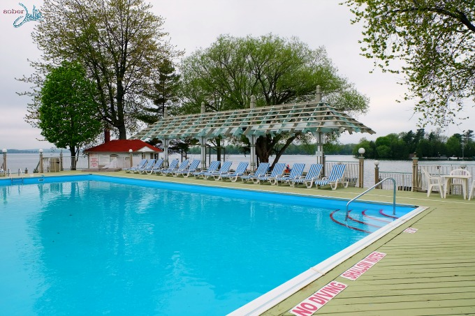 soberjulie-ontario-travel-fern-resort-pool
