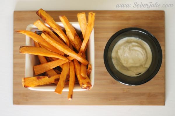 soberjulie-sweet-potato-fries-plated