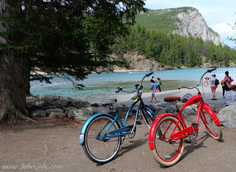 banff-summer-biking-bow-river