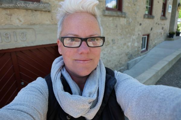 soberjulie-selfie-fuji-a-x2-review