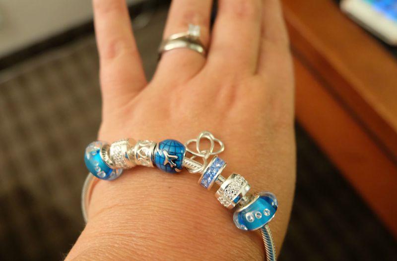 soufeel bracelet on wrist