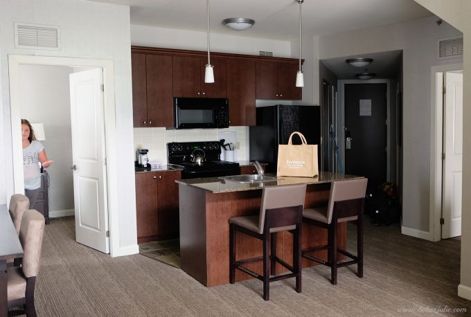 westin-trillium-blue-mountain-suite-kitchen