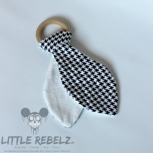 Black_White_Houndstooth_Teether