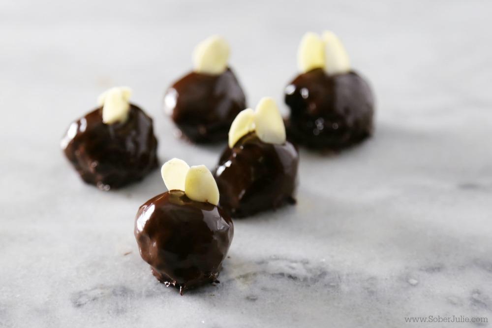 dark-chocolate-truffles-recipe-almond
