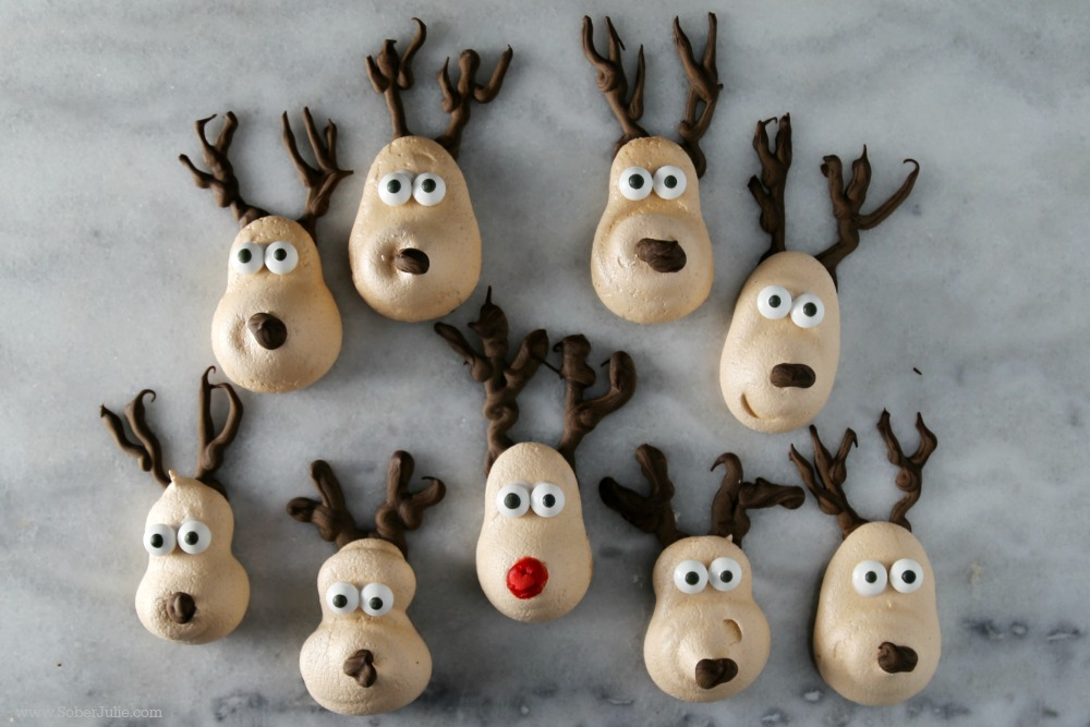 easy-meringue-recipe-christmas-reindeer