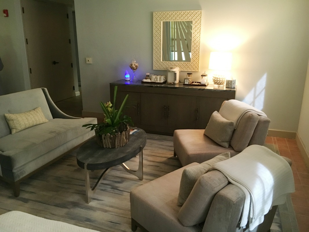 hawks-cay-resort-spa-lounge