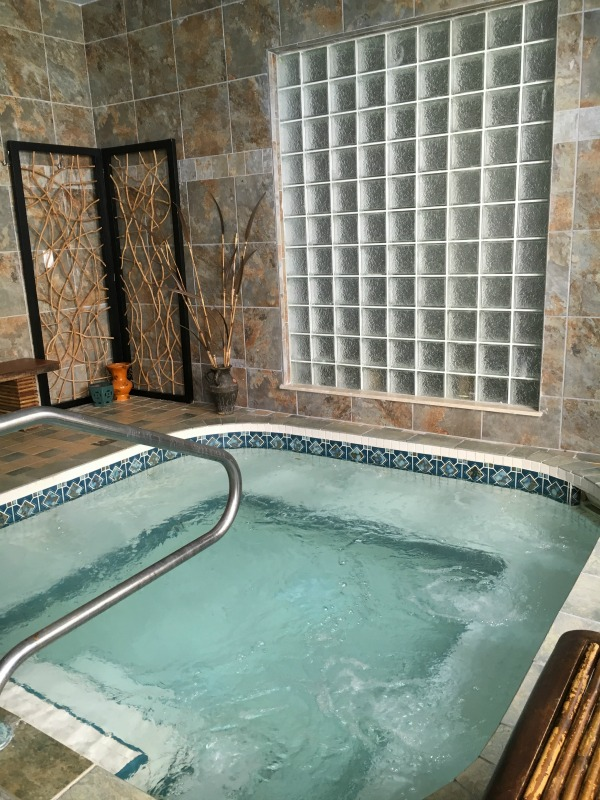 hawks-cay-resort-spa-whirlpool