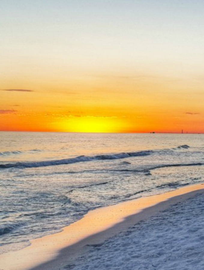 Reasons To Visit The Emerald Coast Of Florida Sober Julie